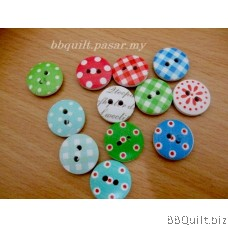 5x Printed Round Wooden buttons 2 Holes Buttons 15MM 12 styles